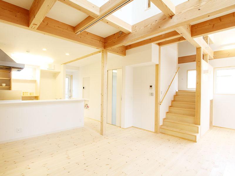 組み上げる家