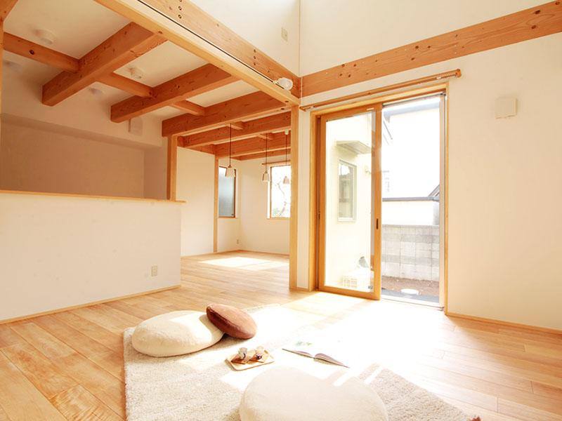 二世帯で暮らす心地好い木の家